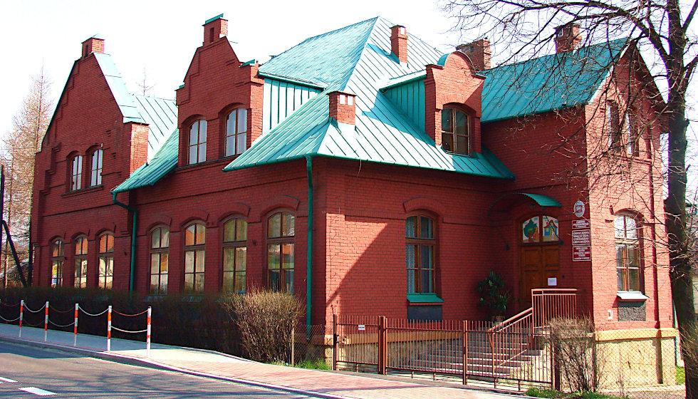 Budynek siedziby GZOSiP w Łapczycy